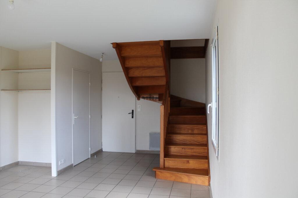 Maison à louer 4 75m2 à Amailloux vignette-15