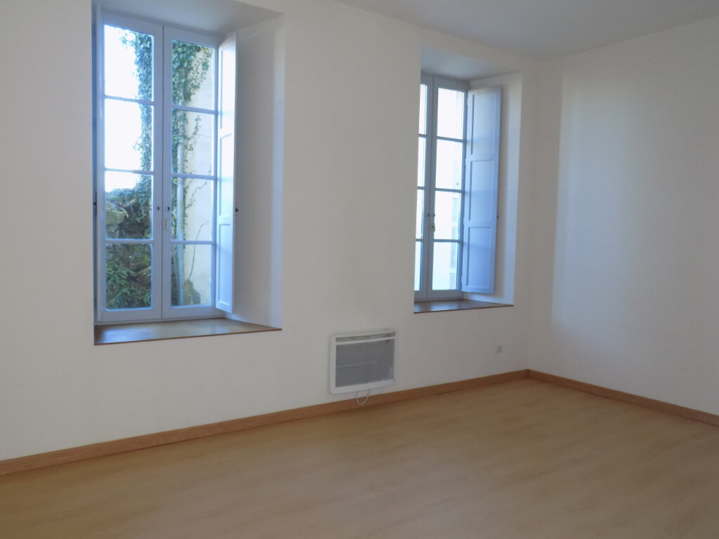 Appartement à vendre 3 87m2 à Parthenay vignette-5