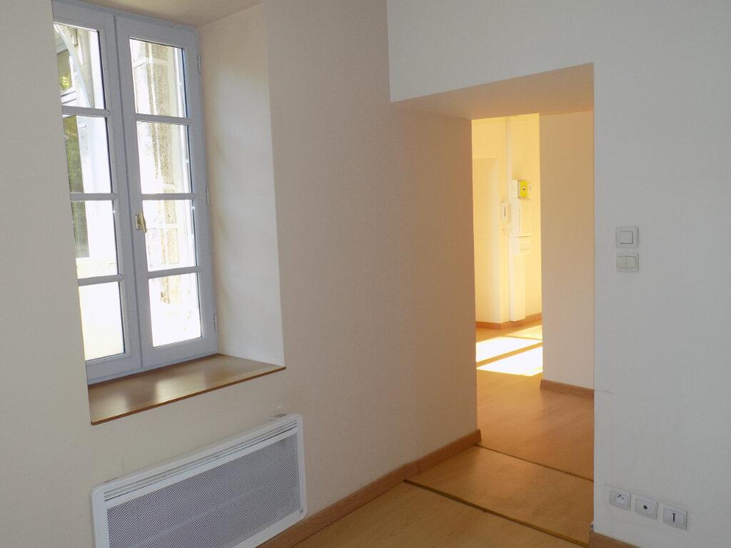 Appartement à vendre 3 87m2 à Parthenay vignette-9