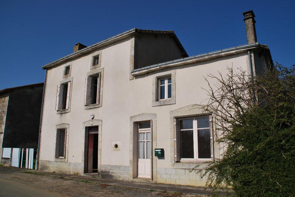 Maison à vendre 3 95m2 à La Boissière-en-Gâtine vignette-1