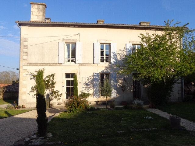 Maison à vendre 9 205m2 à Champdeniers-Saint-Denis vignette-1