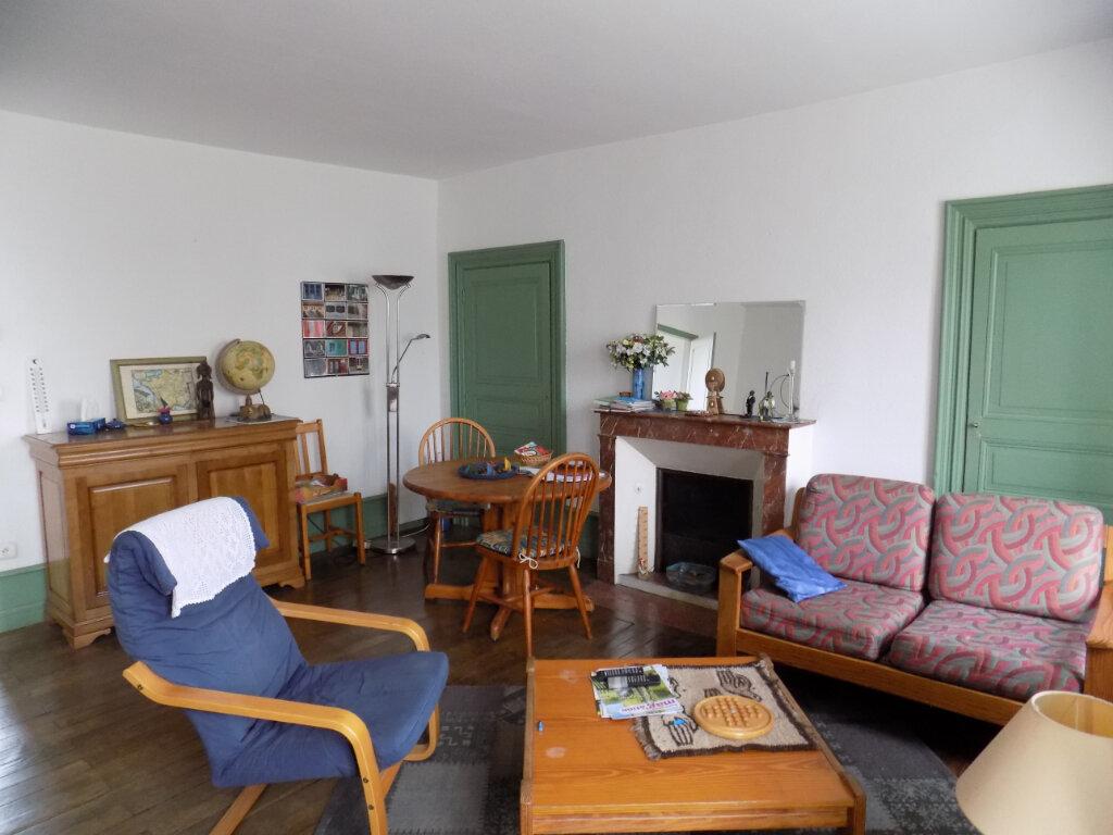 Maison à vendre 6 134m2 à Parthenay vignette-4