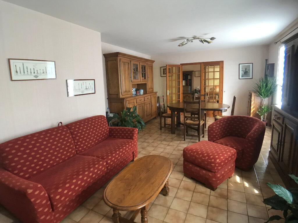 Maison à vendre 4 117m2 à Saint-Aubin-le-Cloud vignette-5