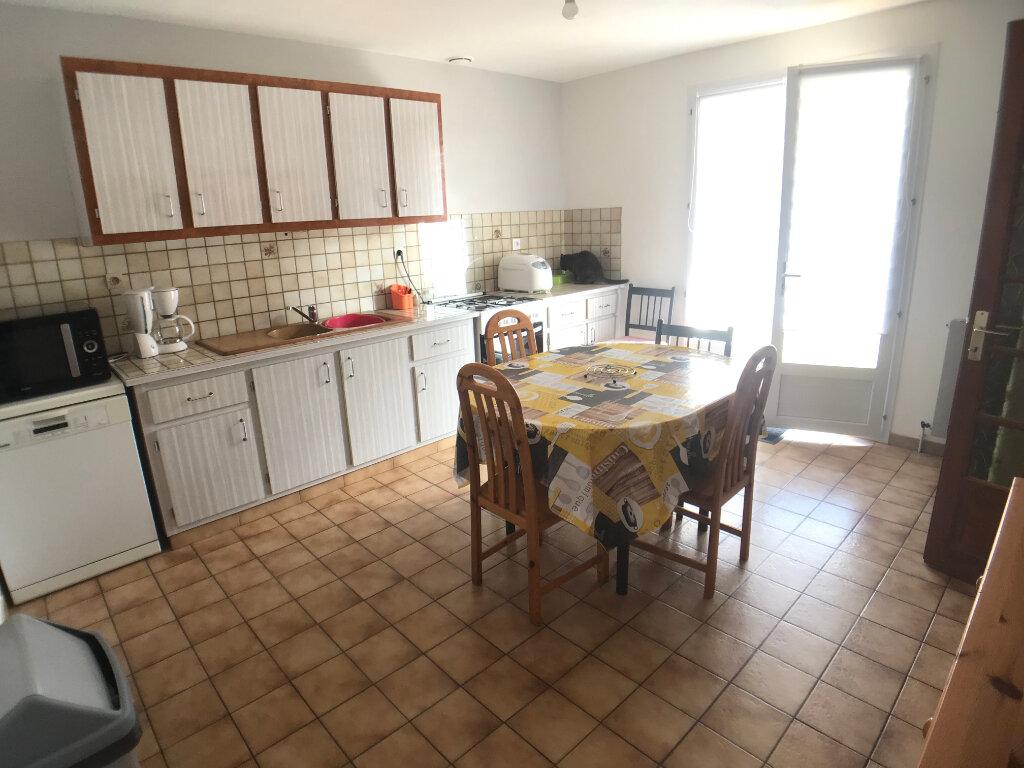 Maison à vendre 4 117m2 à Saint-Aubin-le-Cloud vignette-6