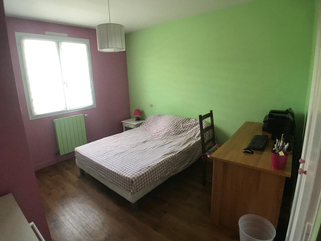 Maison à vendre 4 117m2 à Saint-Aubin-le-Cloud vignette-7