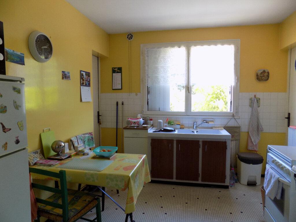 Appartement à louer 3 74m2 à Parthenay vignette-5