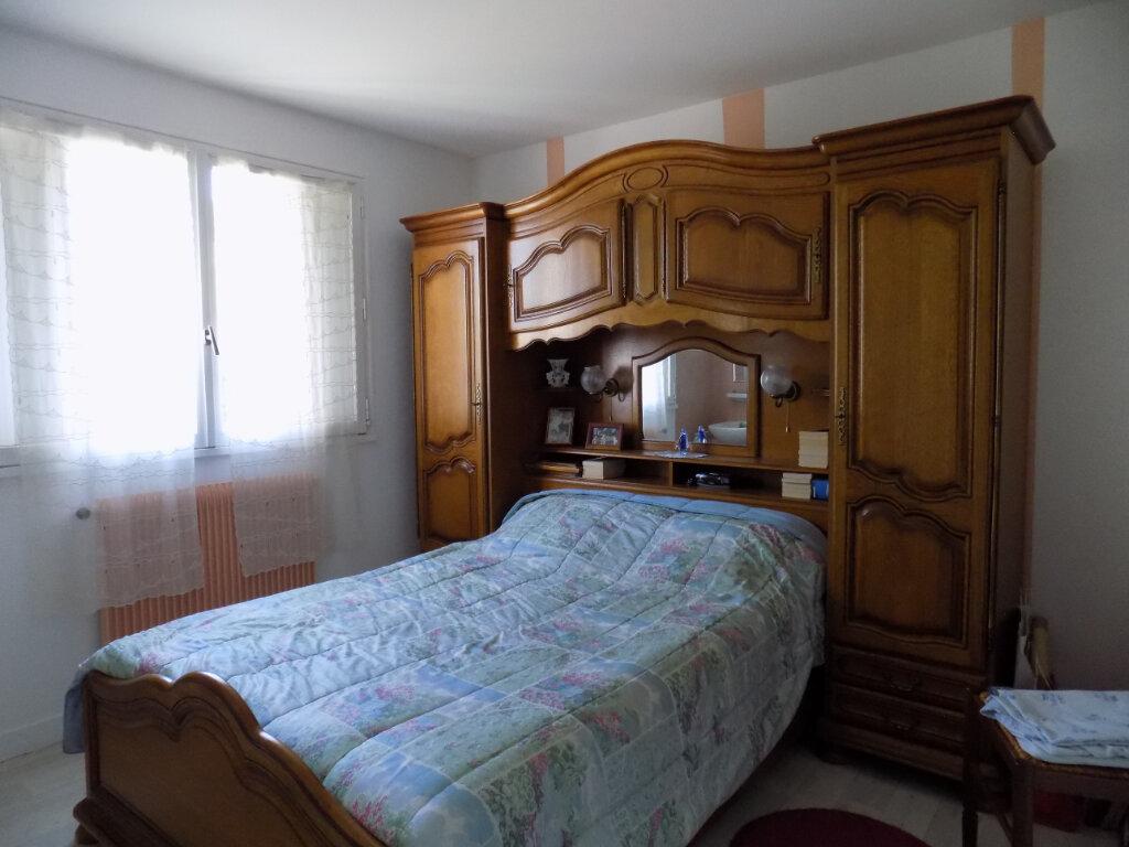 Appartement à louer 3 74m2 à Parthenay vignette-6