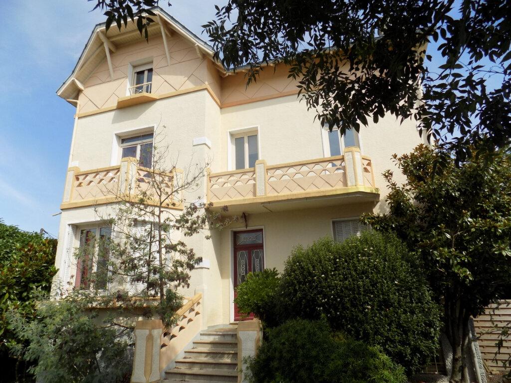 Maison à vendre 10 238m2 à Parthenay vignette-2