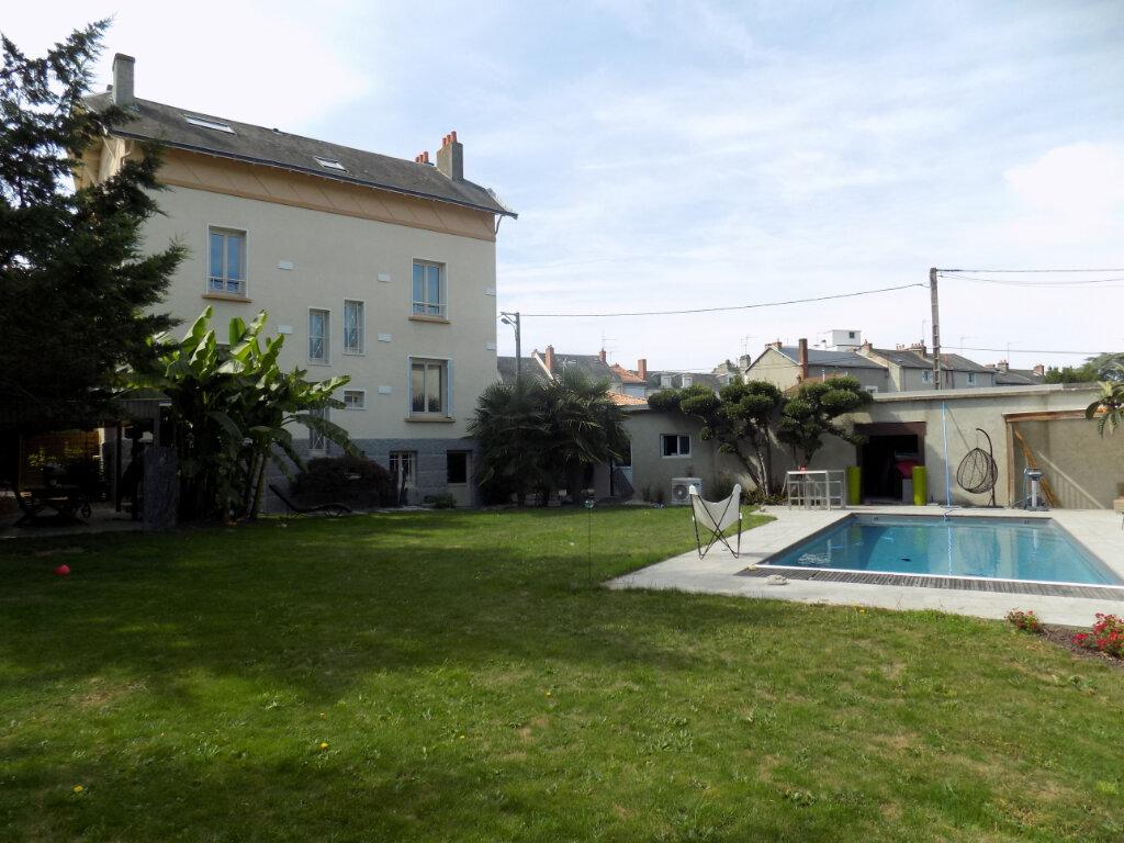Maison à vendre 10 238m2 à Parthenay vignette-15