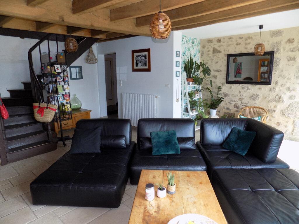 Maison à vendre 6 181m2 à Saint-Aubin-le-Cloud vignette-1