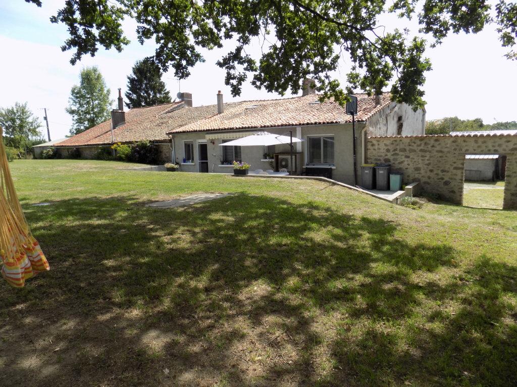 Maison à vendre 6 181m2 à Saint-Aubin-le-Cloud vignette-2