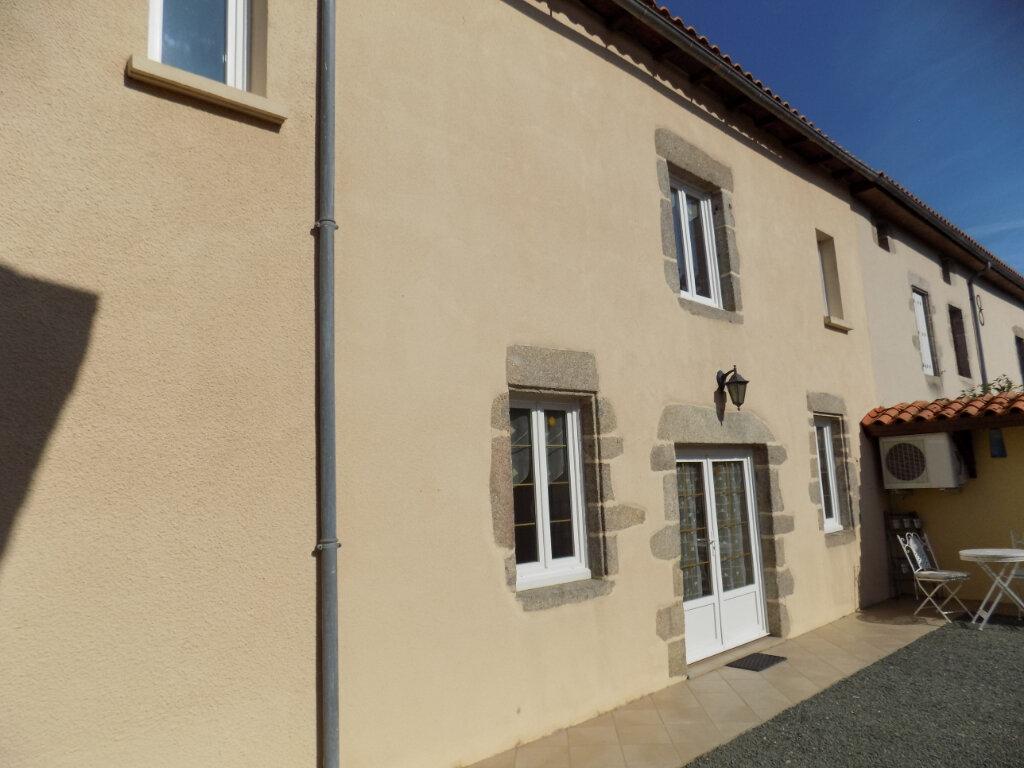 Maison à vendre 4 116m2 à Secondigny vignette-4