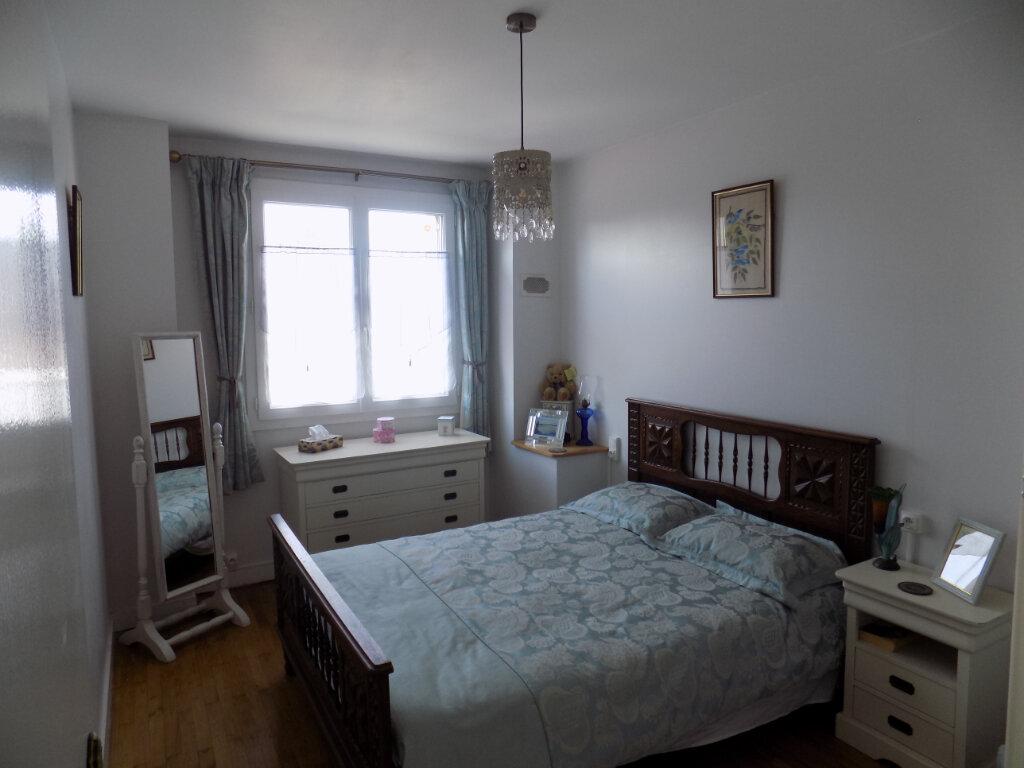 Maison à vendre 4 116m2 à Secondigny vignette-9