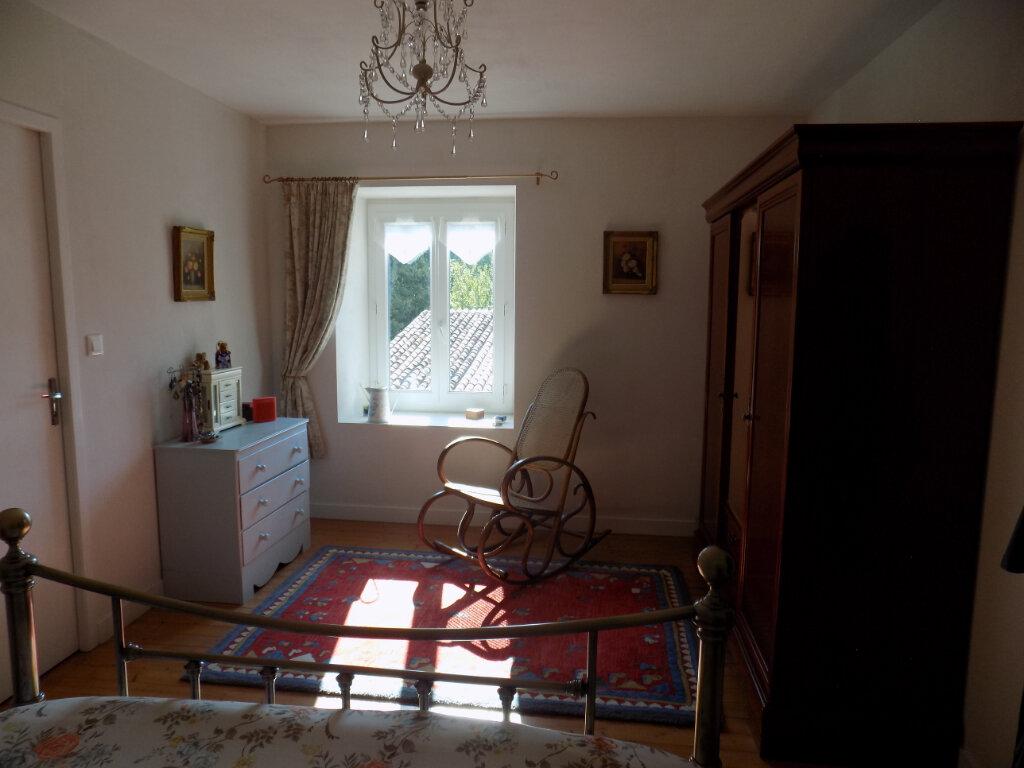Maison à vendre 4 116m2 à Secondigny vignette-17