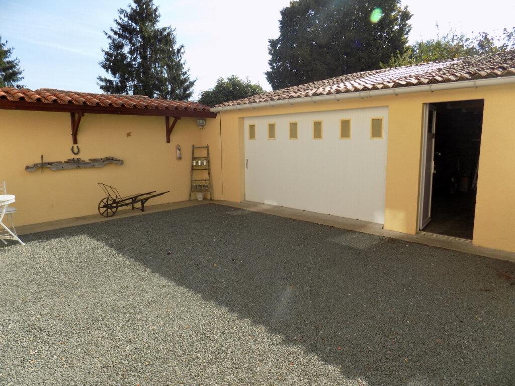 Maison à vendre 4 116m2 à Secondigny vignette-18