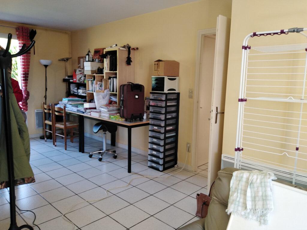 Maison à louer 4 87m2 à Châtillon-sur-Thouet vignette-6