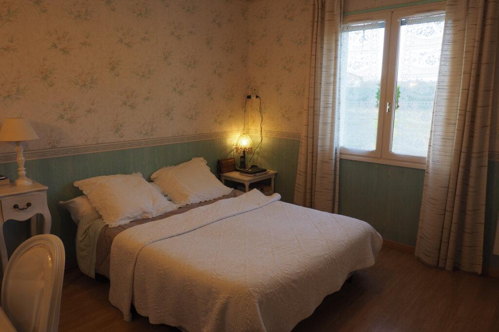 Maison à vendre 7 160m2 à Azay-sur-Thouet vignette-6