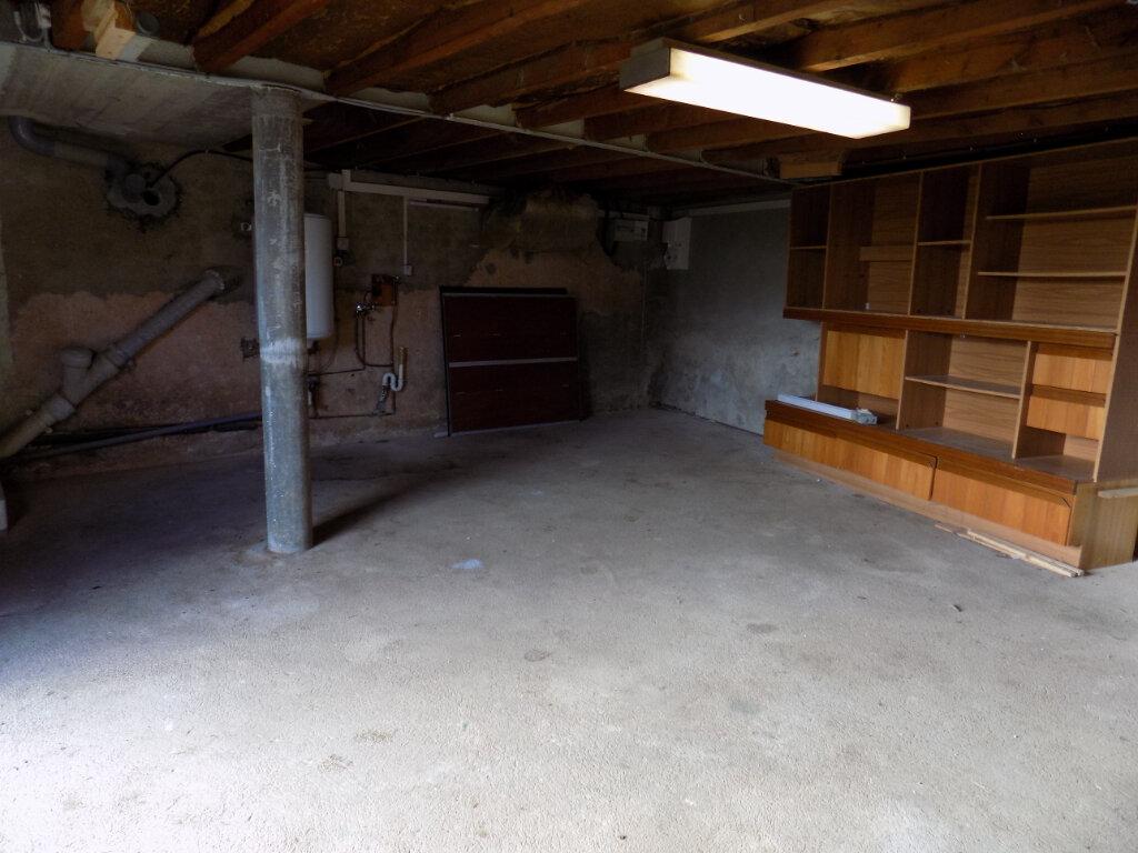 Maison à louer 3 64m2 à Louin vignette-8