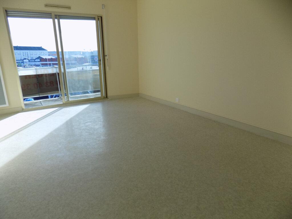 Appartement à louer 3 60m2 à La Peyratte vignette-2
