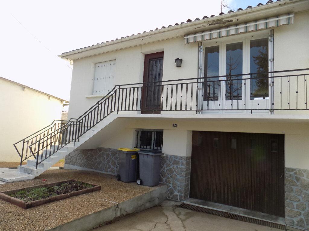 Maison à louer 6 85m2 à Parthenay vignette-1