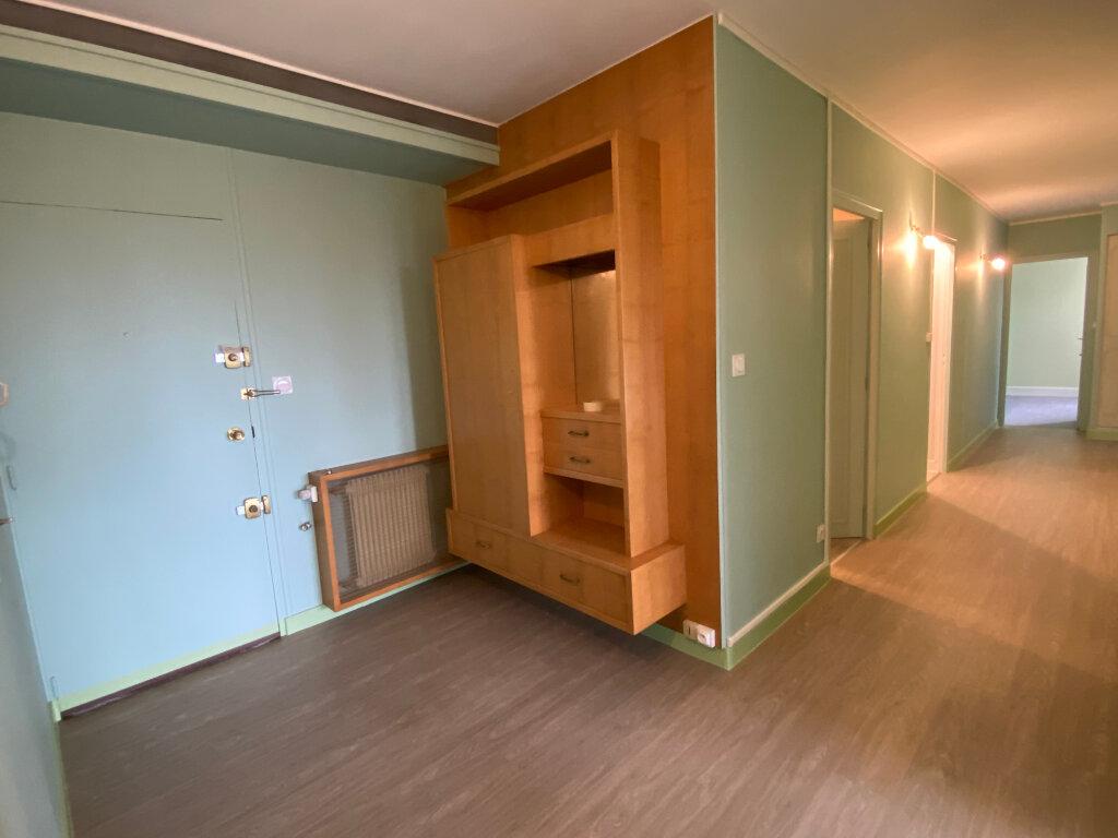 Appartement à louer 3 93m2 à Parthenay vignette-2
