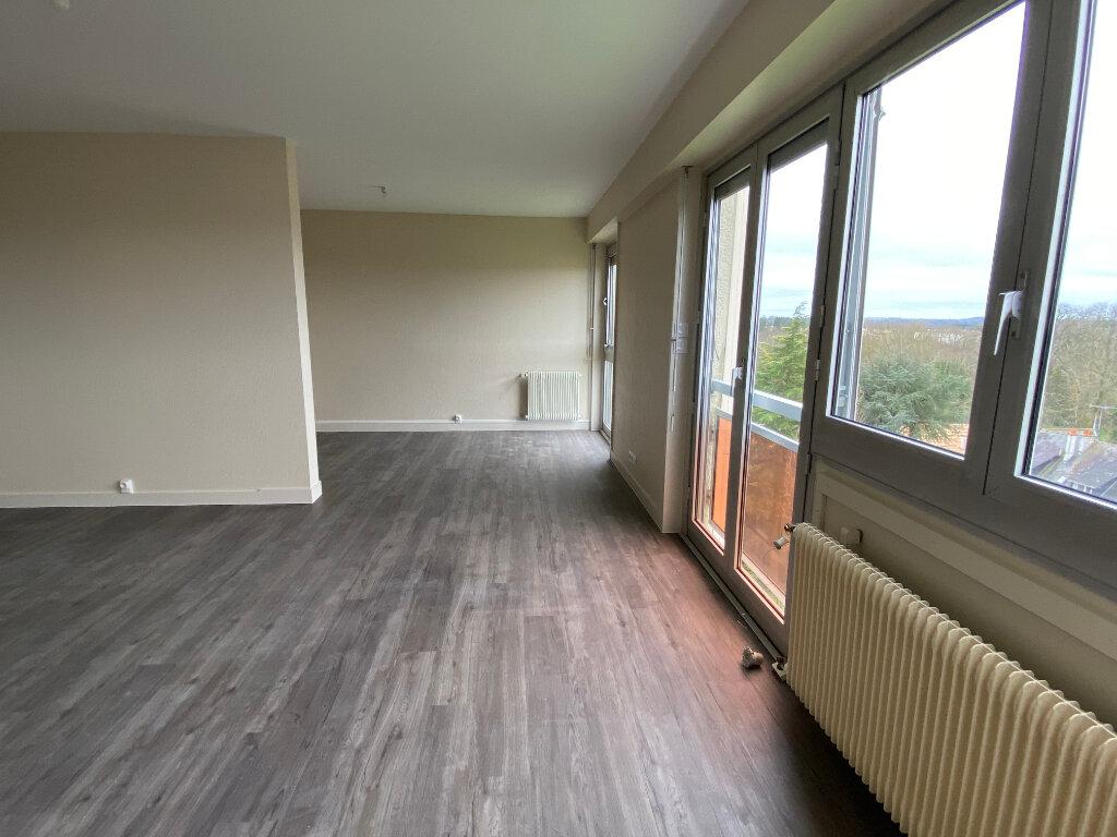 Appartement à louer 3 93m2 à Parthenay vignette-4