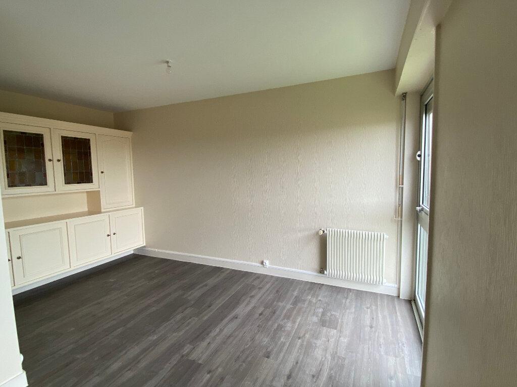 Appartement à louer 3 93m2 à Parthenay vignette-11