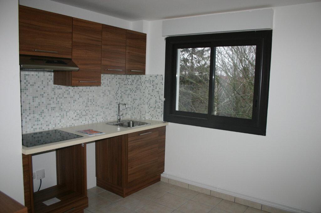 Appartement à louer 4 91m2 à Parthenay vignette-3
