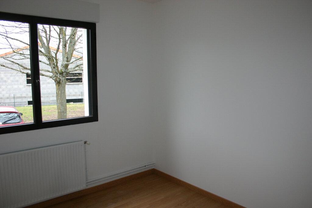 Appartement à louer 4 91m2 à Parthenay vignette-5