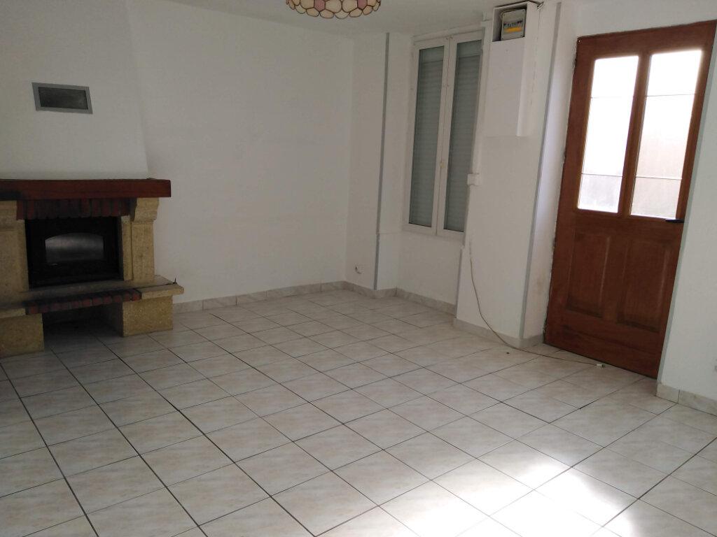 Maison à louer 4 90m2 à Ménigoute vignette-3