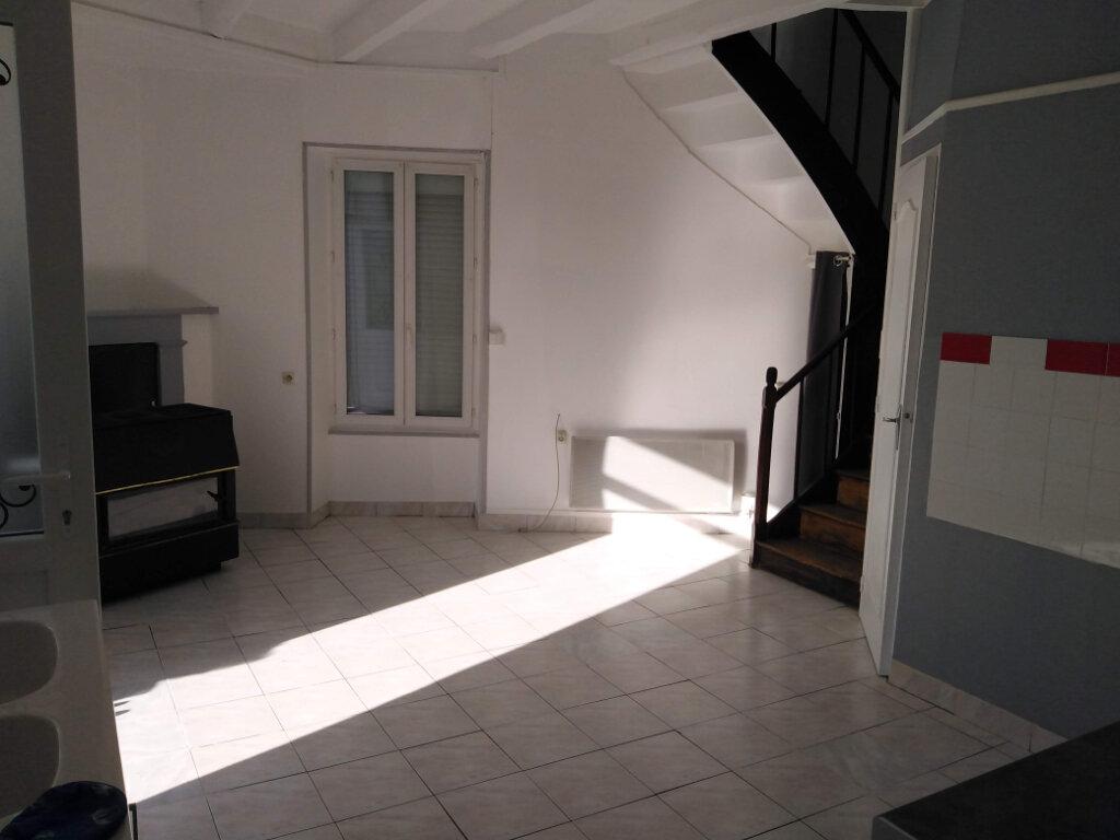 Maison à louer 4 90m2 à Ménigoute vignette-4