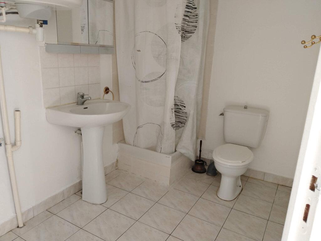 Maison à louer 4 90m2 à Ménigoute vignette-5