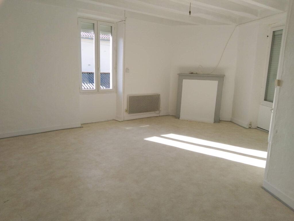 Maison à louer 4 90m2 à Ménigoute vignette-6