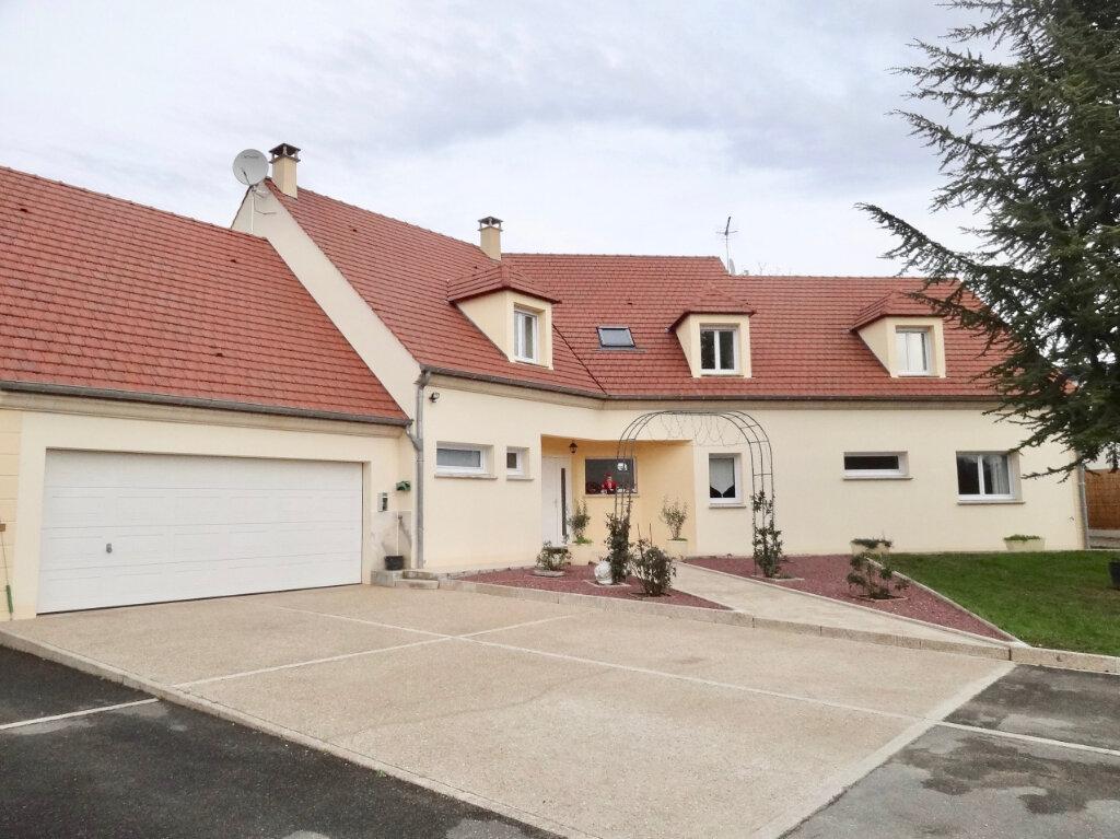 Maison à vendre 12 337m2 à Roinville vignette-1