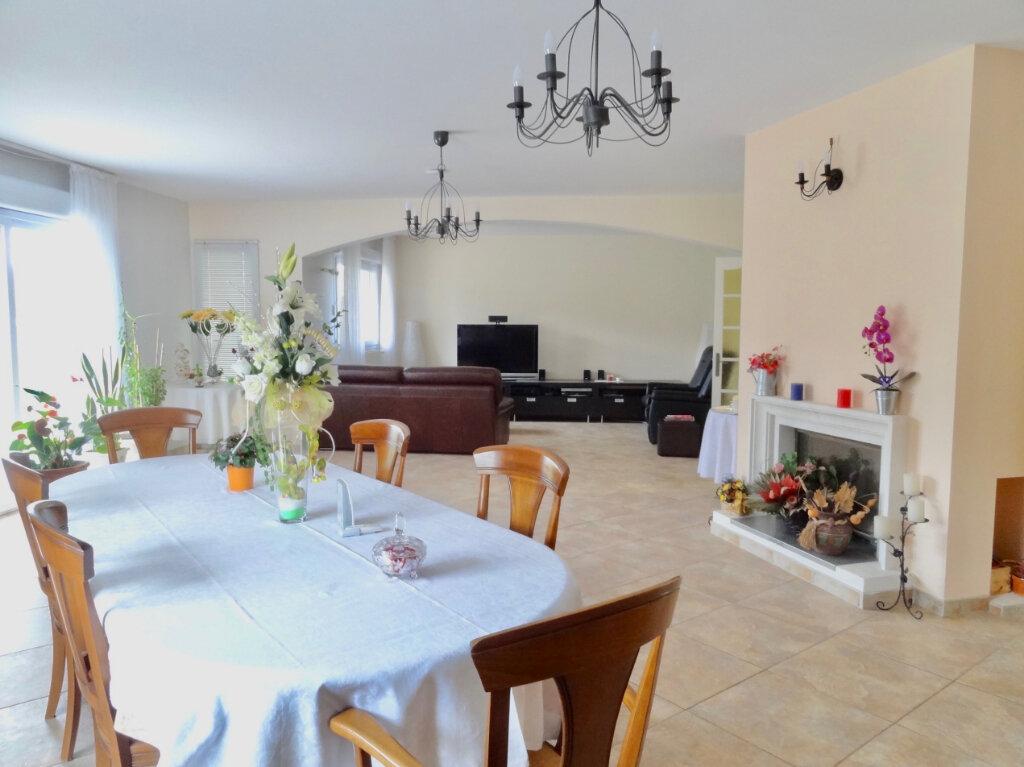 Maison à vendre 12 337m2 à Roinville vignette-7