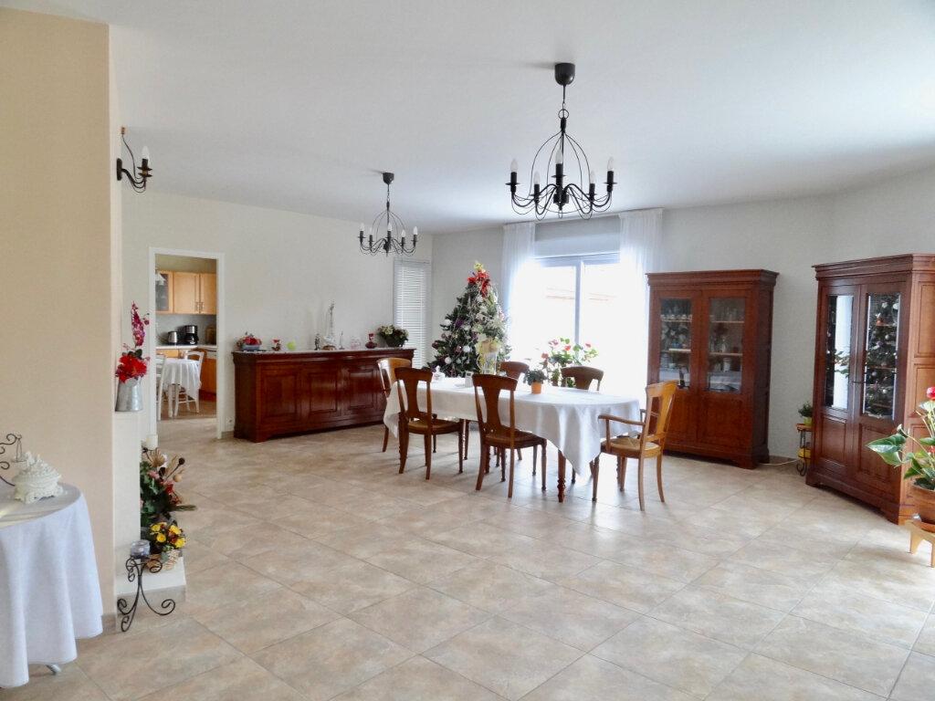 Maison à vendre 12 337m2 à Roinville vignette-8
