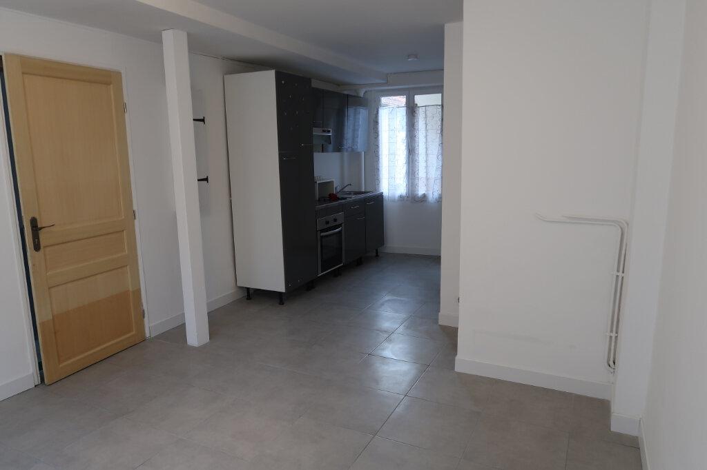 Appartement à louer 1 21.82m2 à Dourdan vignette-1