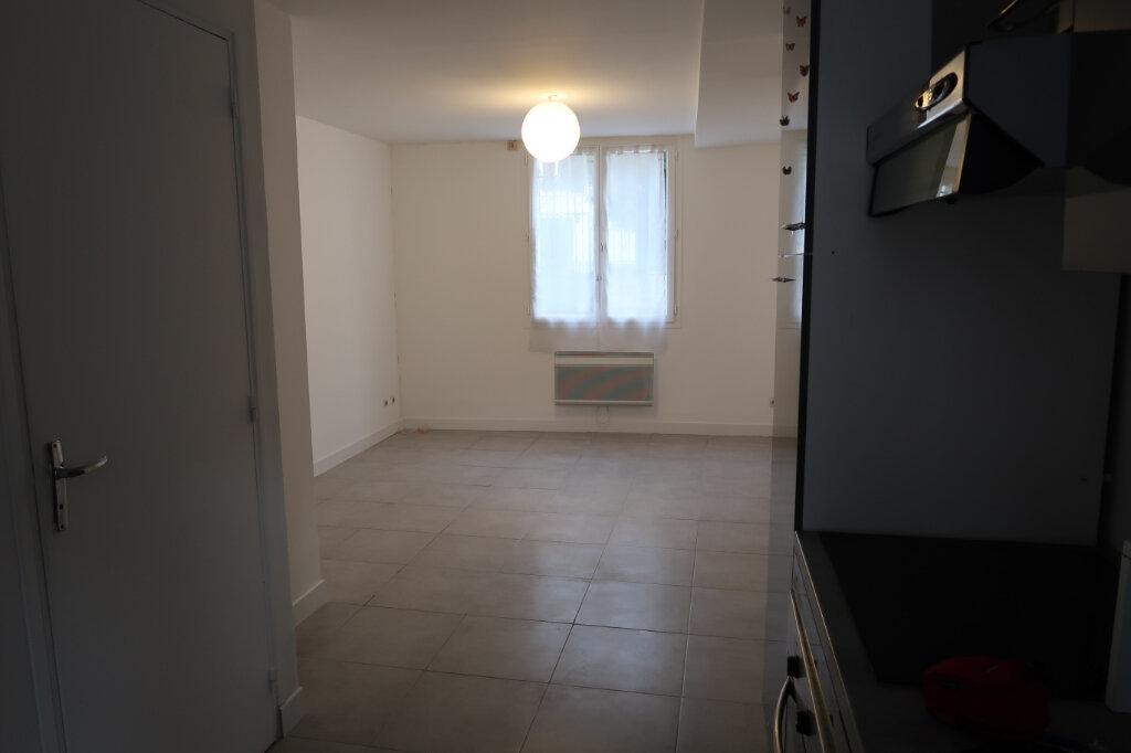 Appartement à louer 1 21.82m2 à Dourdan vignette-2
