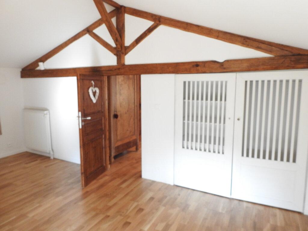 Maison à vendre 5 168m2 à Celle-Lévescault vignette-16