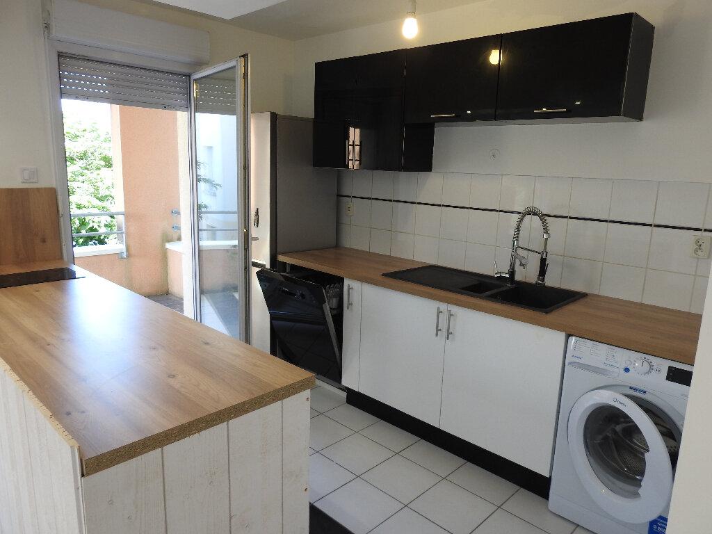 Appartement à louer 3 64m2 à Poitiers vignette-1