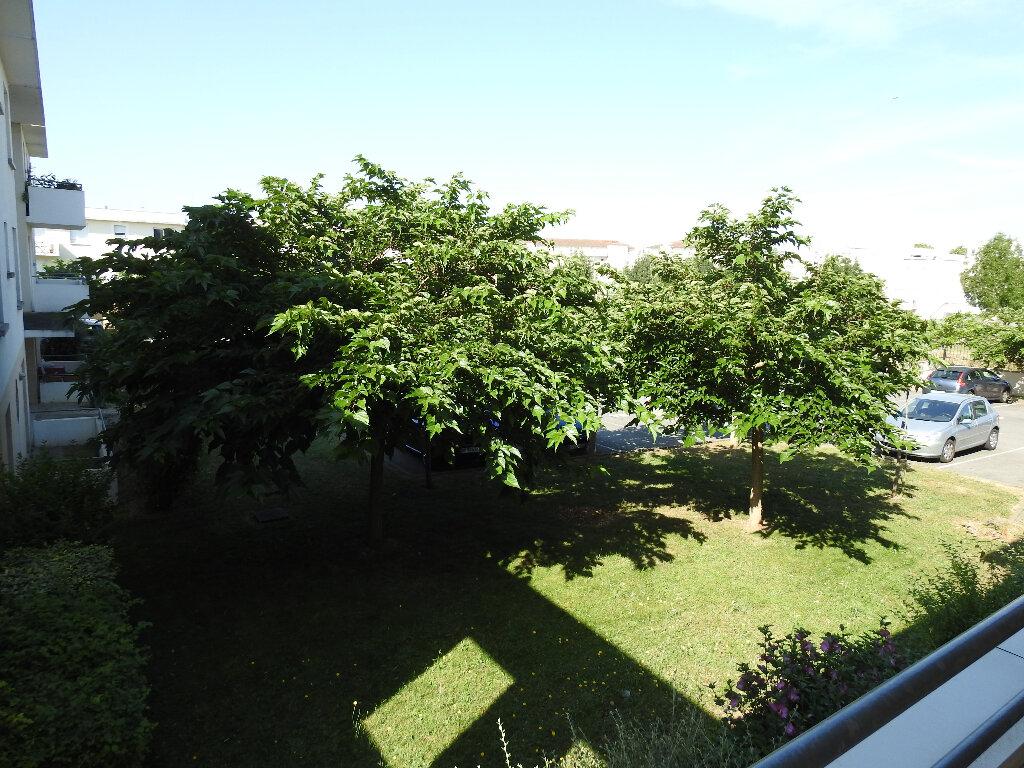Appartement à louer 3 64m2 à Poitiers vignette-9