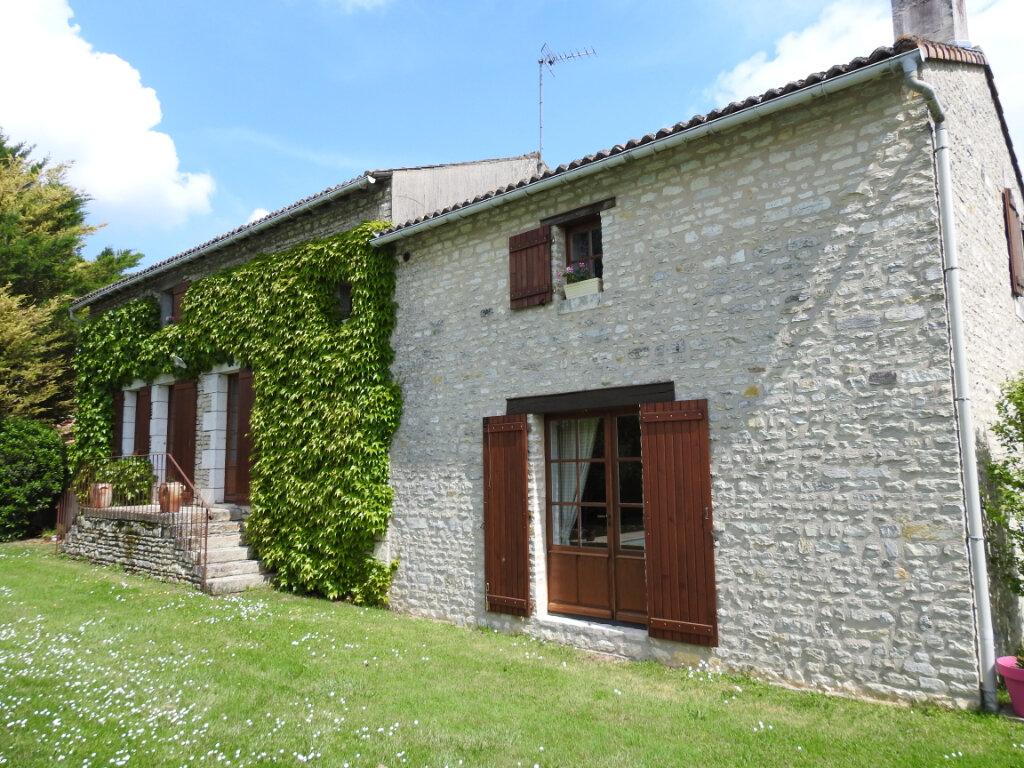 Maison à vendre 5 154m2 à Neuville-de-Poitou vignette-1
