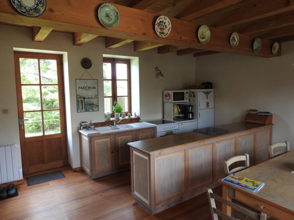 Maison à vendre 5 154m2 à Neuville-de-Poitou vignette-4