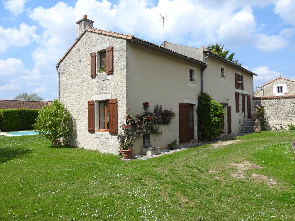 Maison à vendre 5 154m2 à Neuville-de-Poitou vignette-11