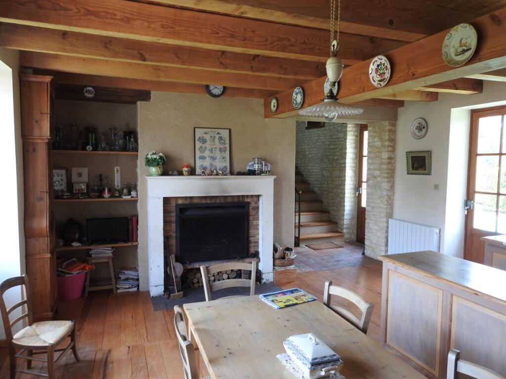 Maison à vendre 5 154m2 à Neuville-de-Poitou vignette-12