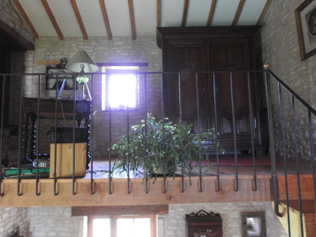 Maison à vendre 5 154m2 à Neuville-de-Poitou vignette-15