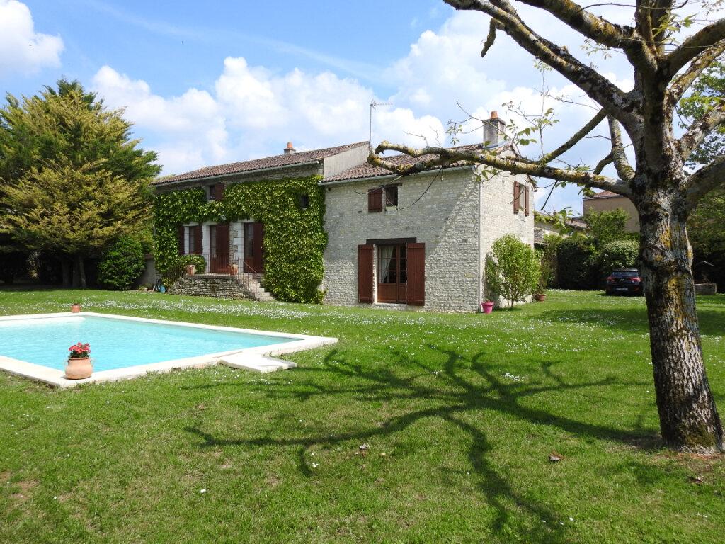 Maison à vendre 5 154m2 à Neuville-de-Poitou vignette-17