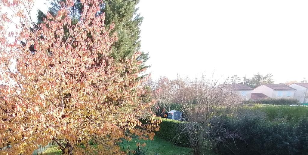 Maison à louer 4 83m2 à Poitiers vignette-9
