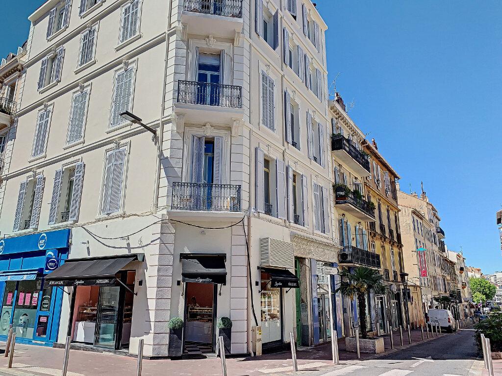Appartement à vendre 3 62.06m2 à Cannes vignette-1