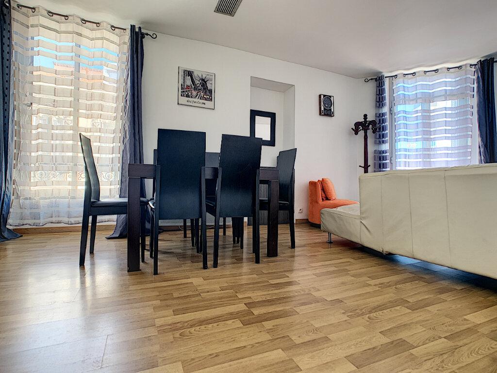Appartement à vendre 3 62.06m2 à Cannes vignette-2